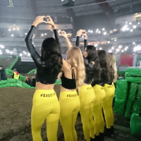 sxdo16 supercross dortmund promotion girld umbrella flag girls adac bensch media