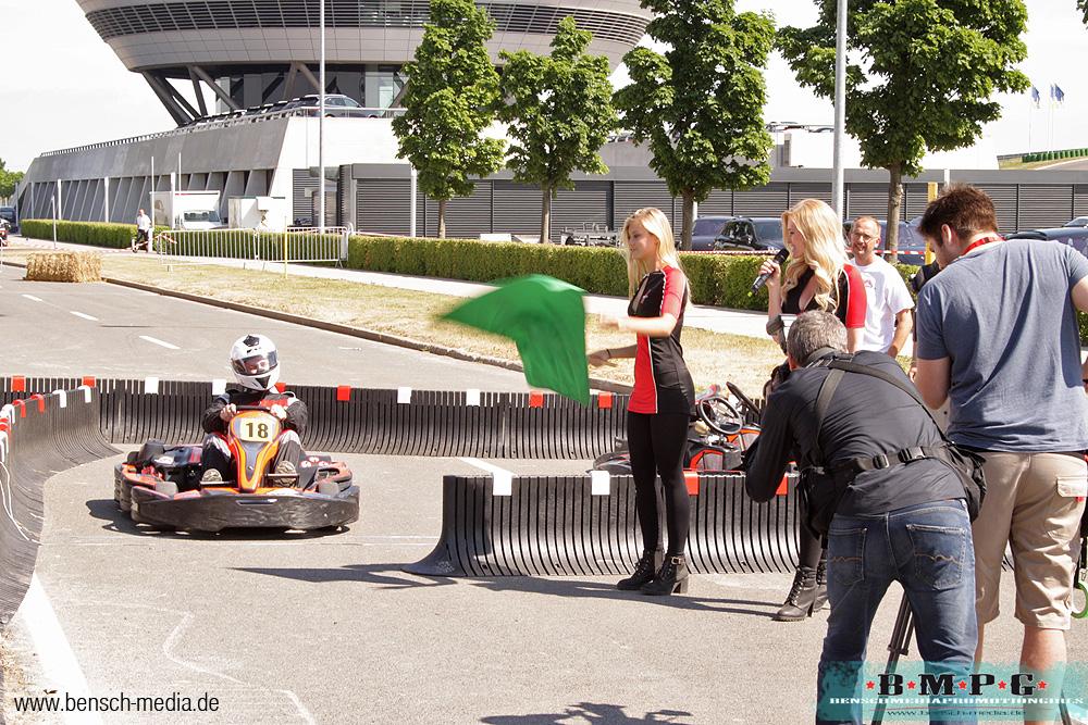 porsche leipzig gridgirls promotion familienfest 1000 jahre leipzig