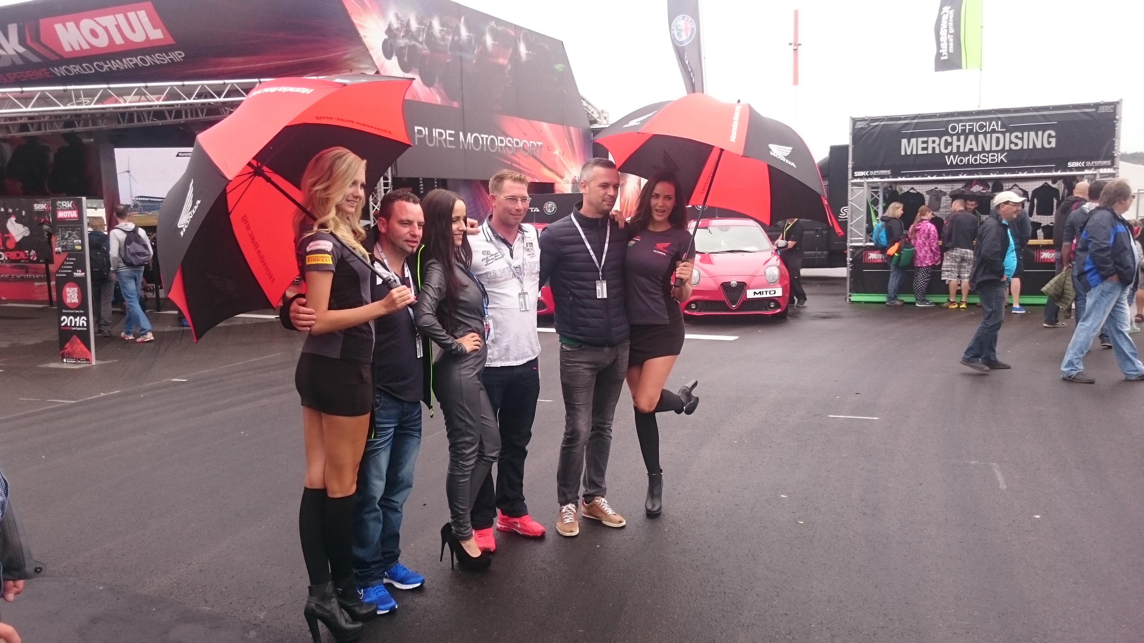 hondaproracing germany casting grid umbrella paddock girls monstergirls deutschland germany europe bensch media_09
