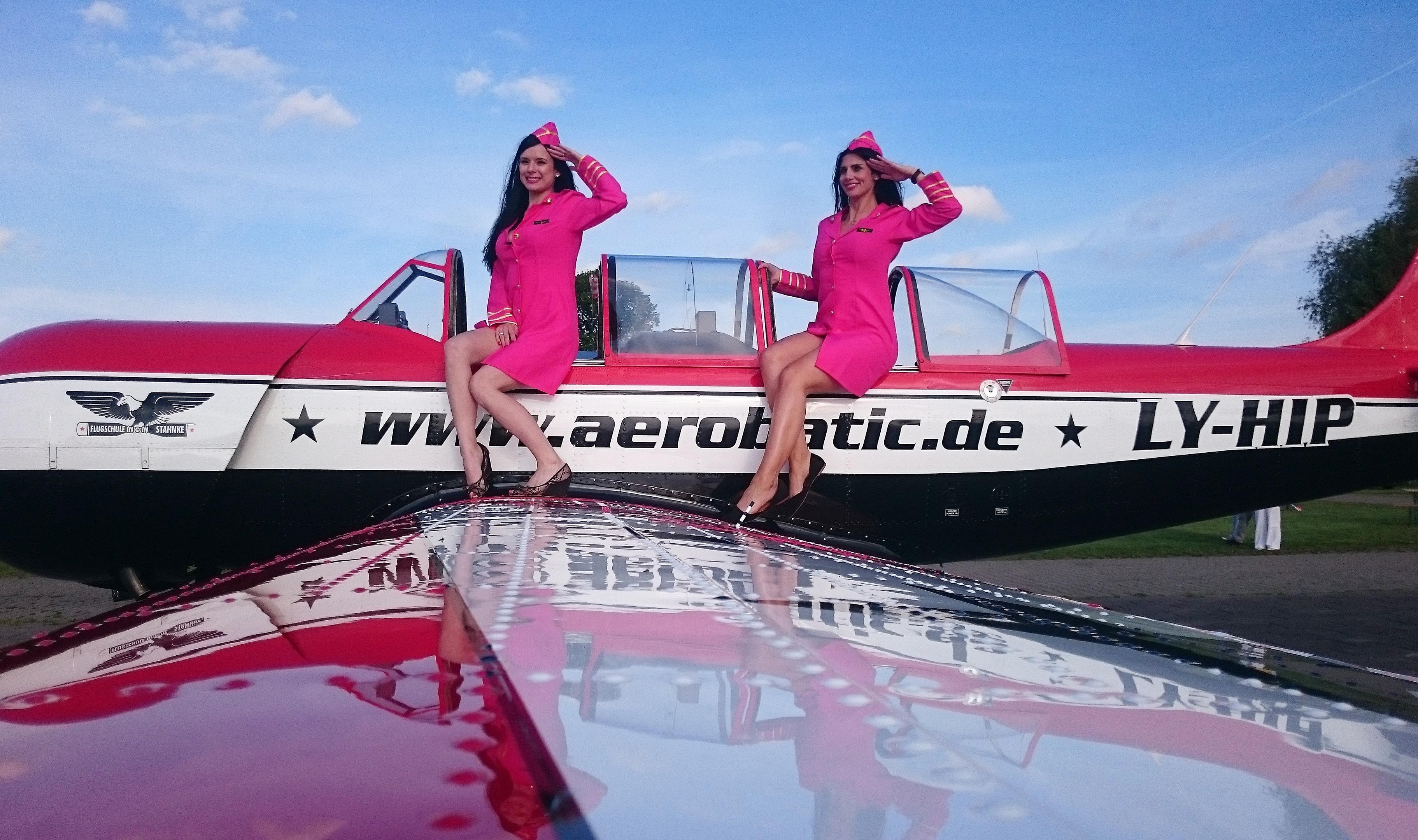 flugtag ballenstedt-promotion girl girls bensch media gridgirls umbrellagirls casting bewerbung agentur hostessen messe outfits event models team